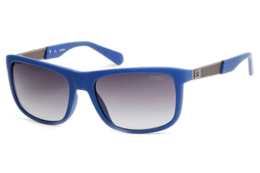 Guess GU 6843 Sunglasses in 92B Blue/Other/Gradient Smoke
