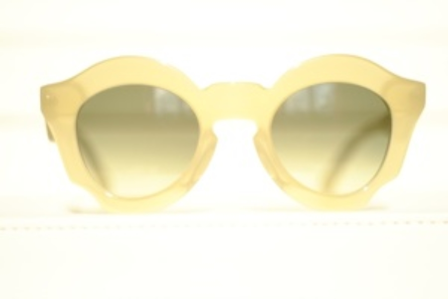 pLAtOy Bold Sunglasses in Honey